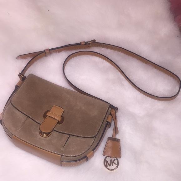 Michael Kors Handbags - Michael Kors crossbody handbag saddlebag